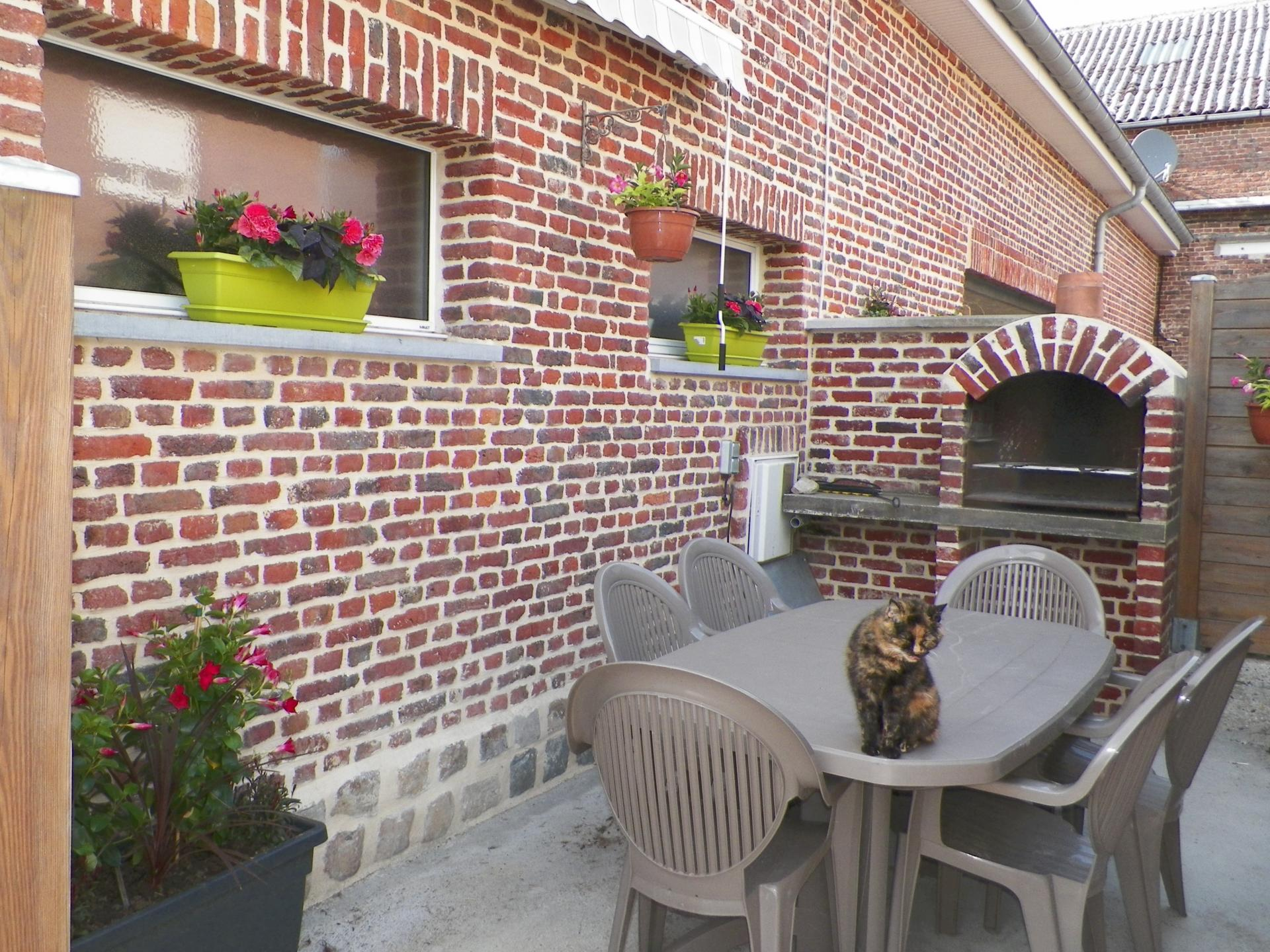 Terrasse et barbecue